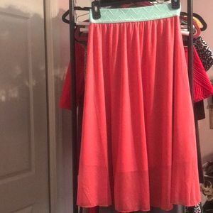 NWOT banded skirt coral and aqua LuLaroe